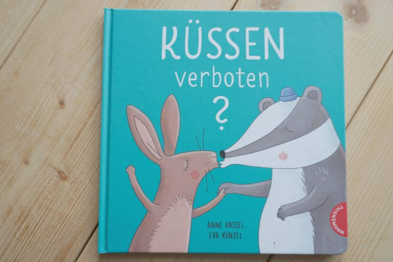 [Buchtipp] Küssen verboten? – Anne Hassel